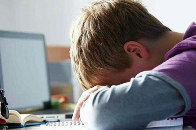 Çocuğunuz sosyal medya hesaplarını kapatıyorsa siber zorbalığa uğruyor olabilir!