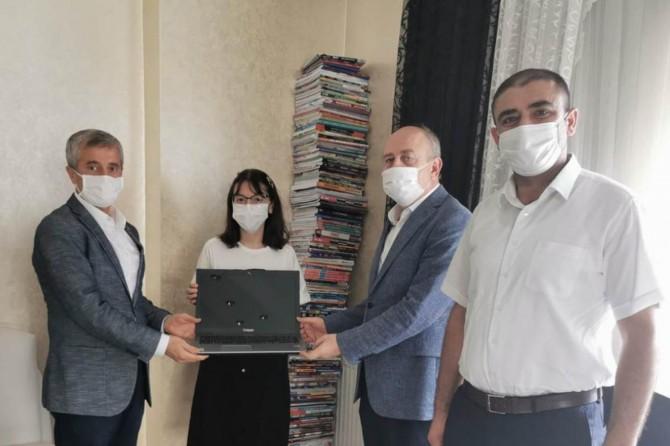 Şahinbey Belediye Başkanı LGS birincisini evinde ziyaret etti