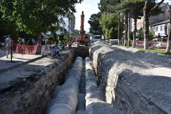 Tatvan Cumhuriyet Caddesi tek yön altyapı çalışmasının yüzde 83'ü tamamlandı
