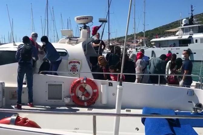 Yunanistan, 168 sığınmacıyı Türkiye kara sularına geri itti
