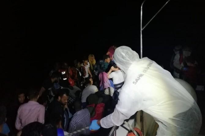 Yunanistan 61 sığınmacıyı Türkiye kara sularına geri itti
