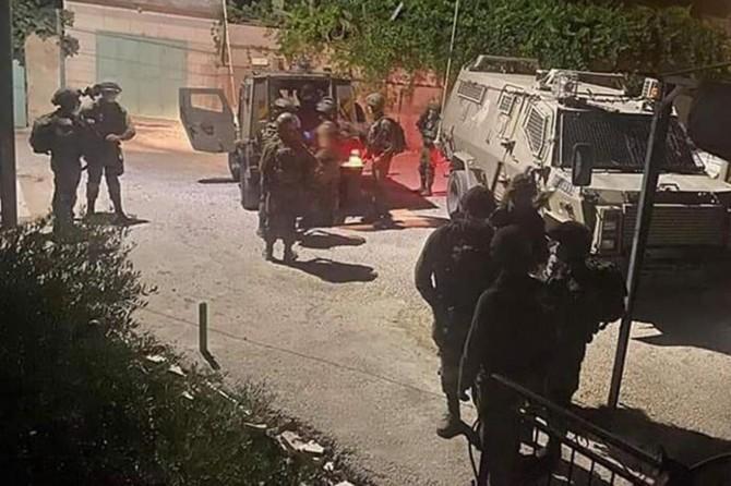 Zionist occupation regime teargases Palestinian families in W. Bank village of Zububa