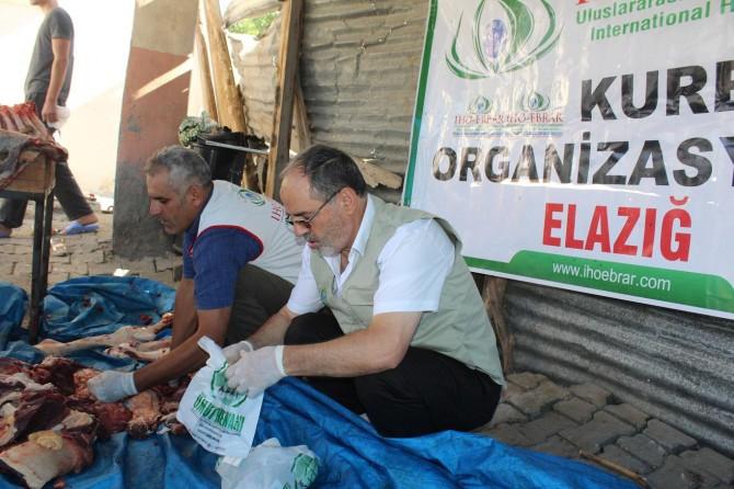 İHO-EBRAR, Palu ve Kovancılar`da 80 aileye kurban eti dağıttı