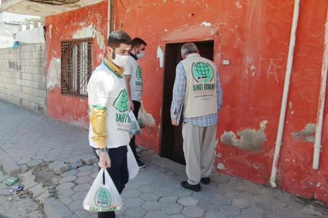 Kızıltepe Umut Kervanı mağdur ve muhtaç ailelere kurban eti dağıttı