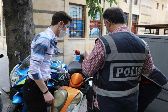 Gaziantep'te 2 bin 830 kişiye maske takmama ve sosyal mesafe cezası