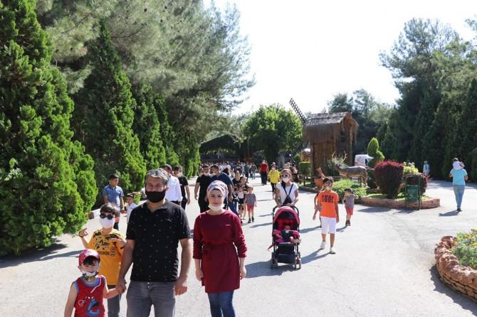 Gaziantep Hayvanat Bahçesi'ni 4 günde 40 bin kişi ziyaret etti