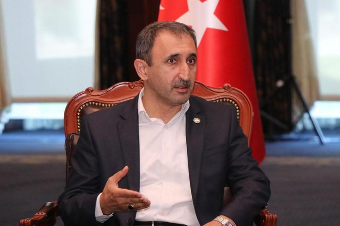 """Yazar Demir: """"Erdoğan'ın feminist hareketle imtihanı!"""""""