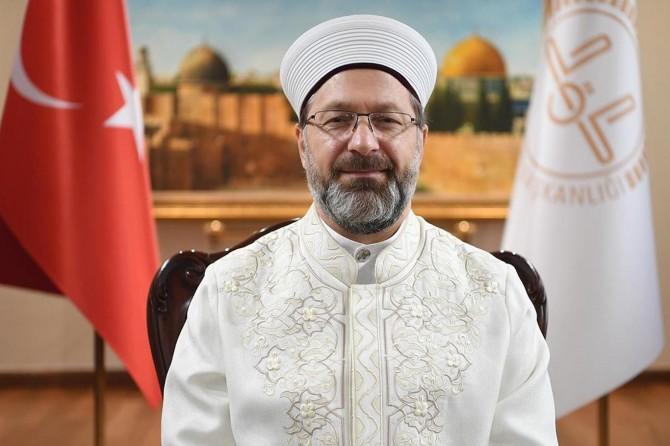 Erbaş, Ayasofya-i Kebir Cami-i Şerifi'nin bütün insanlığa açık olduğunu söyledi