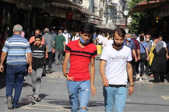 Gaziantep'te bayram sonrası sokaklar yeniden hareketlendi