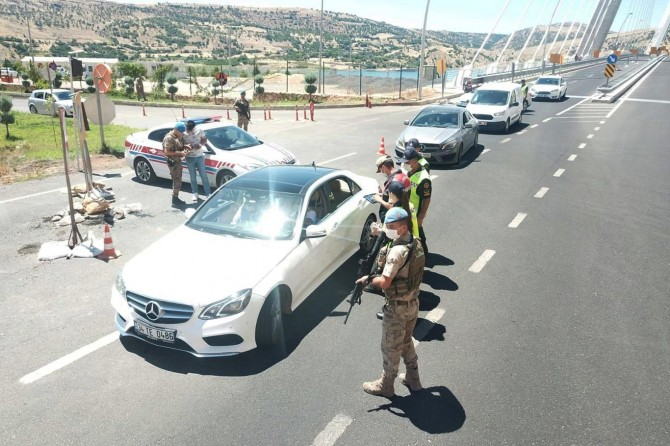 Şanlıurfa'da bayram sonrası trafik denetimleri devam ediyor