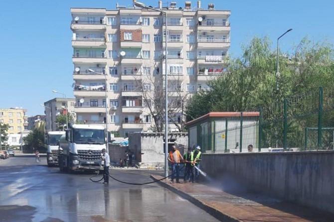 Diyarbakır'da Kurban Bayramı sonrası cadde ve sokaklar dezenfekte edildi