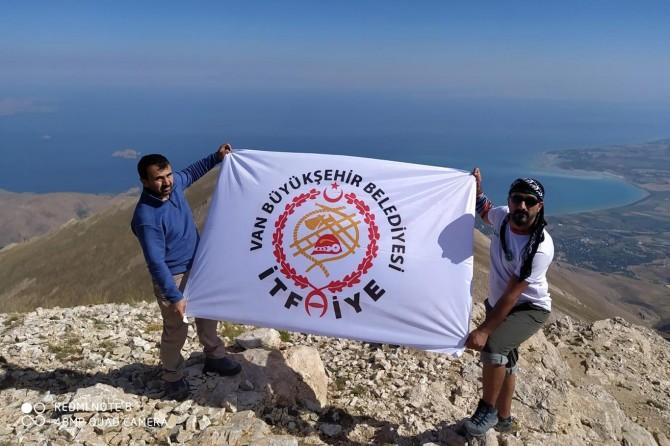 Van Büyükşehir Belediyesi itfaiye erleri Ağrı Dağı'na tırmanacak