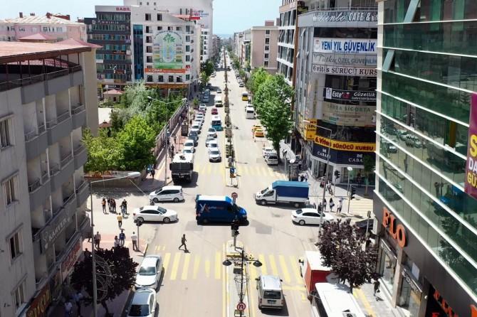 Van'ın Maraş Caddesi yenileniyor