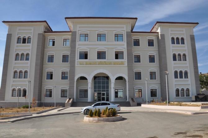 Kozluk'ta 5 ev karantinaya alındı