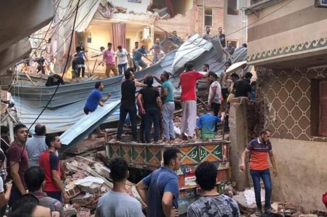 Mısır'da bina çöktü: 8 ölü