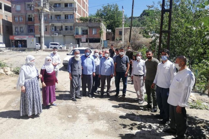 HÜDA PAR Silvan İlçe Başkanı Balyen'den kanalizasyon mağduru mahalleye ziyaret