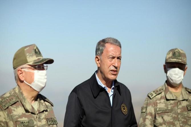 """Bakan Akar: """"Pençe operasyonları kapsamında 83 PKK'li etkisiz hale getirildi"""""""