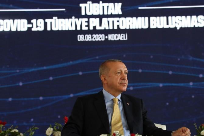 Cumhurbaşkanı Erdoğan, TÜBİTAK Covid-19 Türkiye Platformu üyeleriyle bir araya geldi