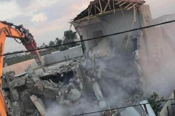 Siyonist işgal rejimi Filistinlilere ait yapıları yıkmaya devam ediyor