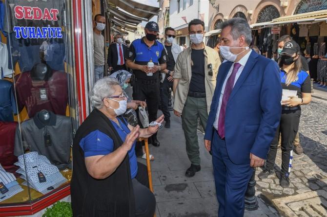 Adana'da maske ve sosyal mesafe denetimi yapıldı