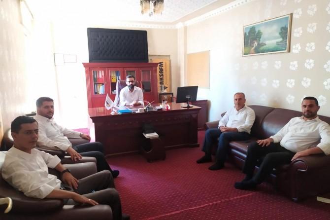 HÜDA PAR Batman İl Teşkilatı Aksa FM'i ziyaret etti