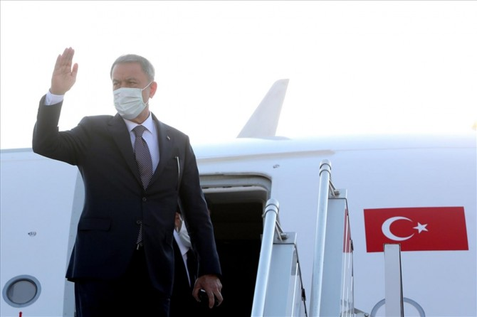 Millî Savunma Bakanı Hulusi Akar Azerbaycan'a gitti