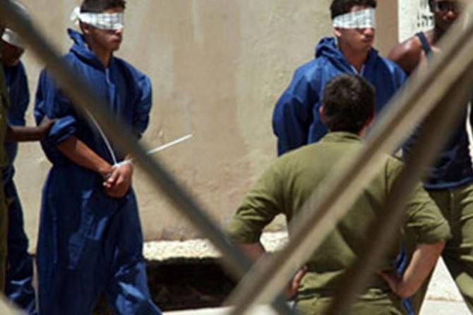 Siyonistlerin zindanlarında aralarında kadınların da olduğu 4500 Filistinli esir bulunuyor