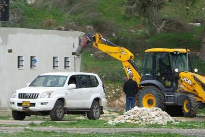 Siyonist işgal rejimi Filistinlilere ait evleri yıkmaya devam ediyor