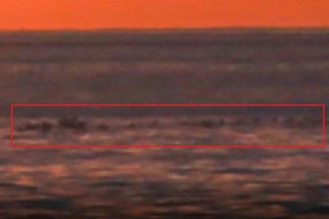 """""""Van Gölü Canavarı"""" olduğu ileri sürülen bir canlı akademisyenin kamerasına takıldı"""