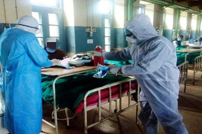 Hindistan'da Covid-19 nedeni ile ölenlerin sayısı 47 bin 33'e çıktı