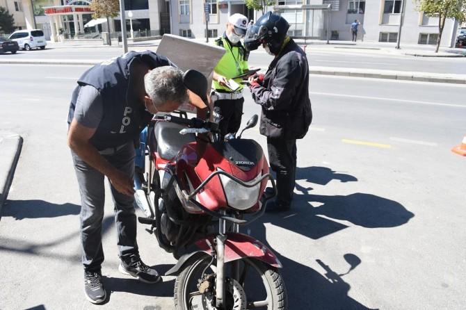 81 ildeki denetimlerde yaklaşık 2 bin motosiklet ve araç trafikten men edildi