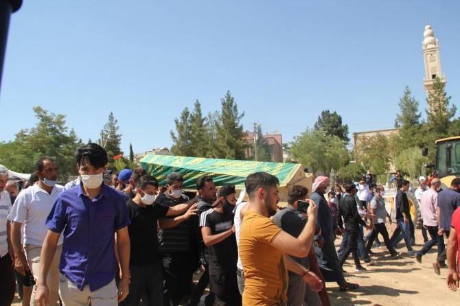 Silahla vurularak ölen Suriyeli işçi Midyat'ta defnedildi