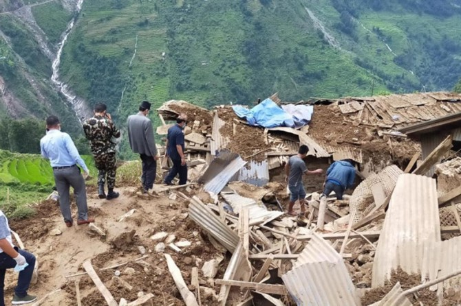 Nepal ve Hindistan'da heyelan: 7 ölü