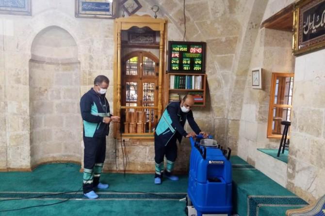 Gaziantep'te camiler düzenli olarak dezenfekte ediliyor