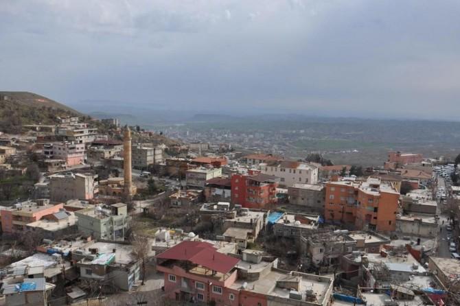 Kozluk'ta 25 ev karantinaya alındı
