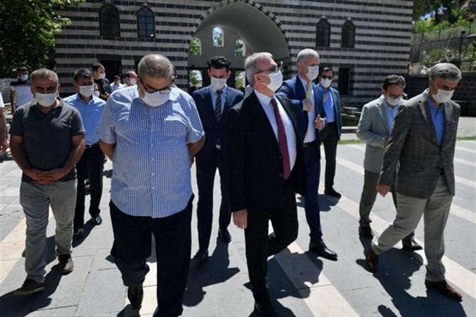 Vali Karaloğlu, Gazi Köşkü'nde incelemelerde bulundu