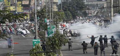 Bangladeş'te bir ayın bilançosu: 300 kayıp