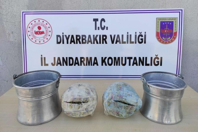 Diyarbakır'da yoğurt bakracı içerisine gizlenmiş esrar ele geçirildi