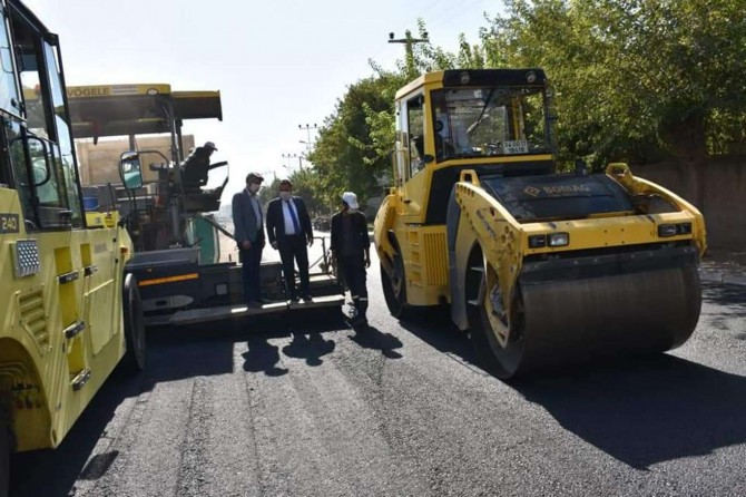 Bağlar Belediyesi cadde ve sokakları yenilemeye devam ediyor