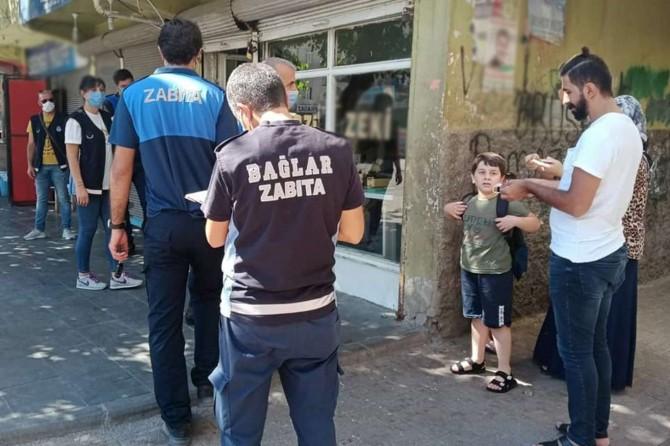 Diyarbakır'da maske kullanmayanlara ceza, sosyal mesafeye uymayanlara uyarı
