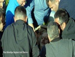 Rize Belediye Başkanı, paraşütten çay bahçesine düştü
