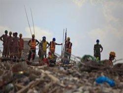 Bangladeş'de çöken binada ölü sayısı 547'ye çıktı