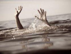Serinlemek için girdiği gölette boğuldu