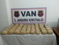 Başkale'de 46 kg uyuşturucu ele geçirildi