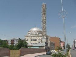 Vanyolu Camiine 40 metrelik minare