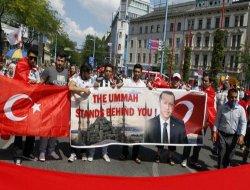 Erdoğan'a Viyana'da Destek Gösterisi