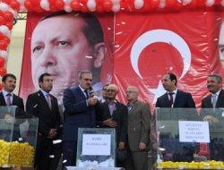 Erciş'te kiracıların konut kuraları çekildi