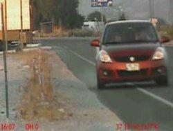Bayan sürücü radar aracına böyle çarptı