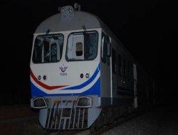 Yolcu treni raydan çıktı