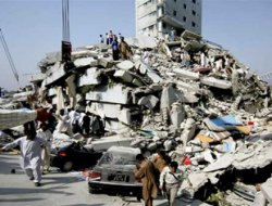 Pakistan'da bu defa 6.8'lik deprem